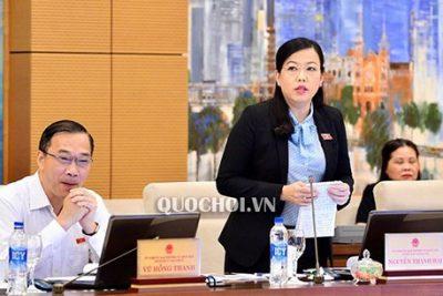 """Chủ tịch Quốc hội Nguyễn Thị Kim Ngân: """"Tôi rất thương học sinh hiện nay học quá khổ!"""""""